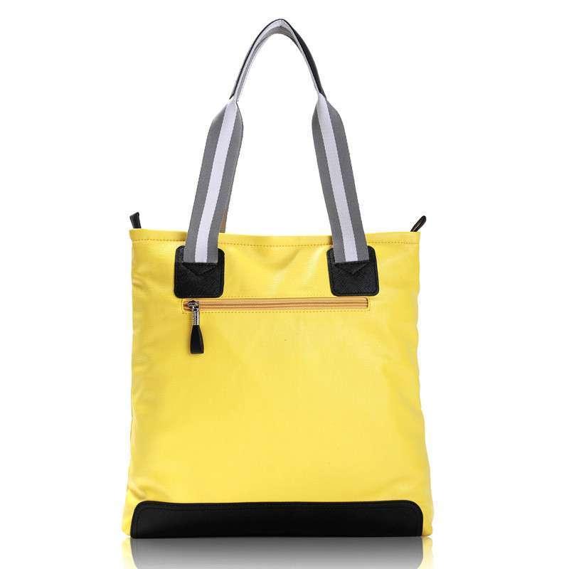2013新款品牌时尚元素可爱月熊女包