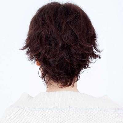 女士小反翘短发发型分享展示图片