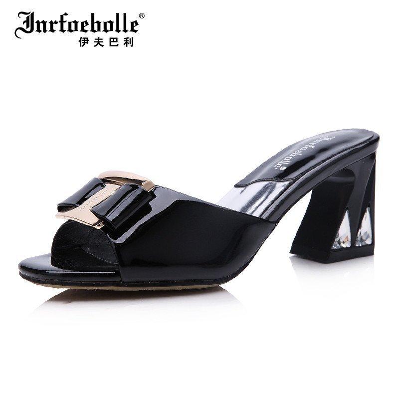 伊夫巴利专柜夏高端正品新款牛漆皮粗跟优雅女鞋欧美中跟女凉鞋拖y40