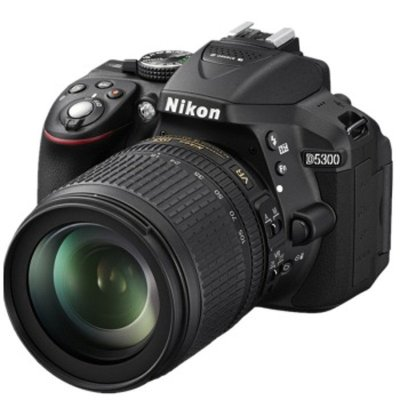 尼康数码单反相机 D5300(18-140VR)+包+16G卡
