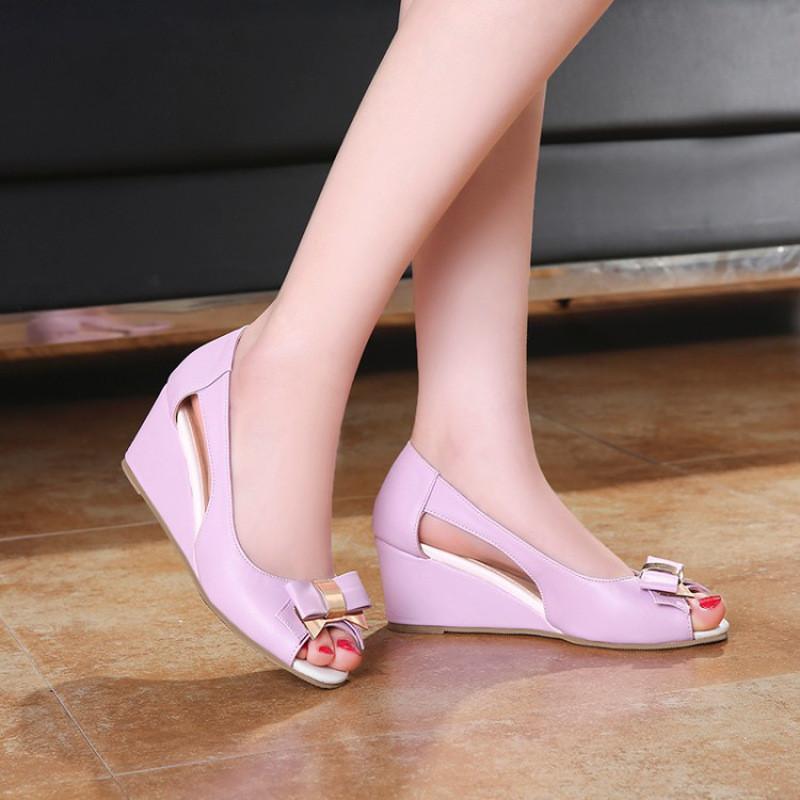 哪种高跟鞋穿着舒服_女士鱼嘴细跟鞋哪种好 牌子同款