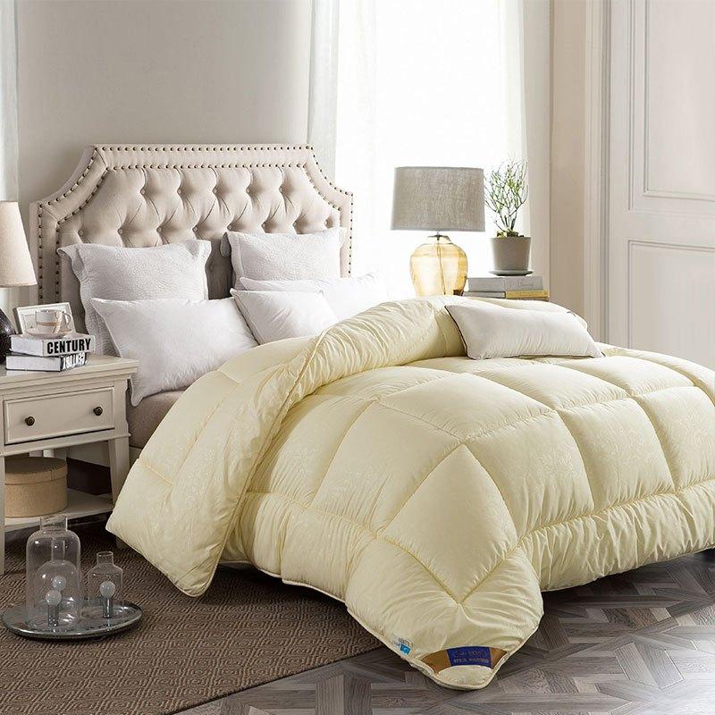 迎馨 床品家纺 舒适加厚保暖冬被被芯 200*230cm 米黄色