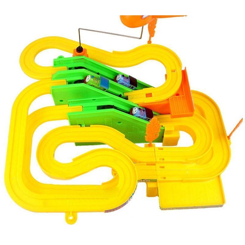 儿童玩具托马斯轨道小火车 四个小火车旋转飞机 电动音乐轨道