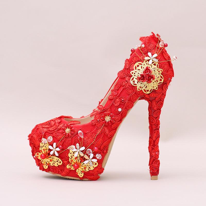 新娘鞋_红色蕾丝水钻高跟新娘鞋珍珠蝴蝶花朵细跟婚鞋圆头防水台女单鞋