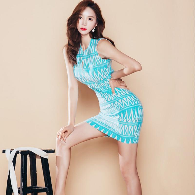 歌依图 夏装新款韩国名媛修身显瘦包臀气质淑女背心裙
