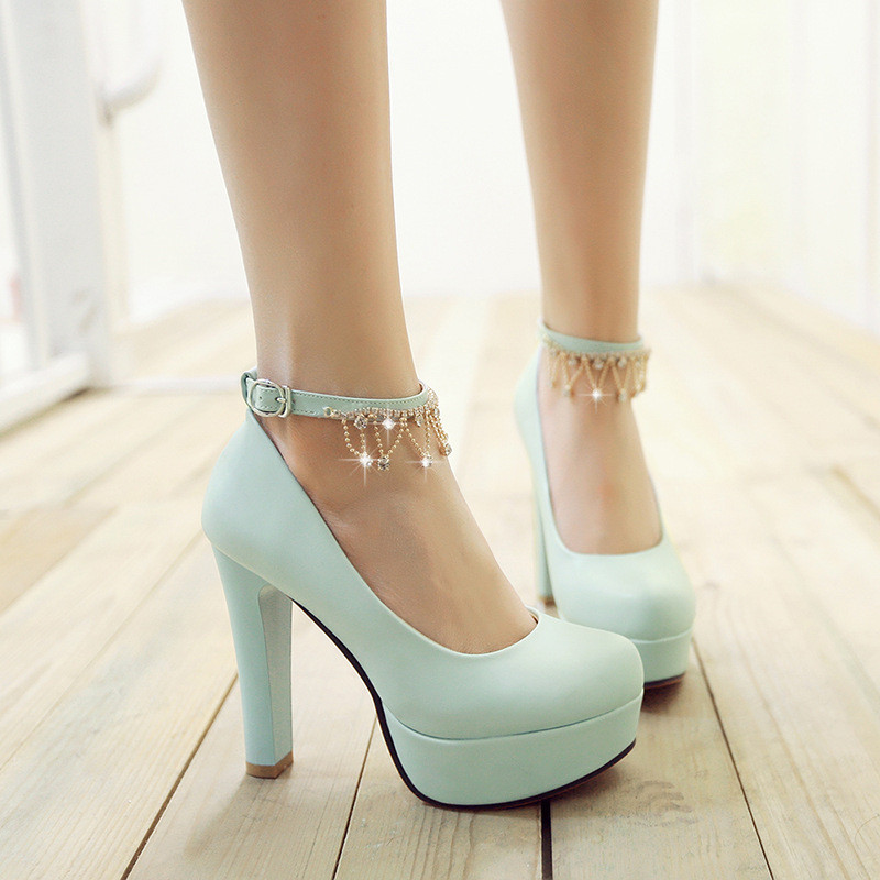 白色婚纱鞋新娘婚鞋水钻链子流苏高跟鞋女单鞋春季韩版工作女鞋子