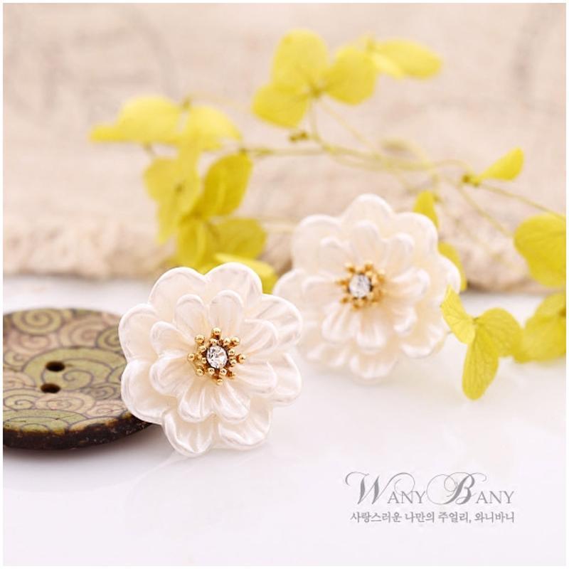 彩丽馆韩国进口树脂植物花卉幸运三叶草向日跨奥地利钻女可爱防过敏