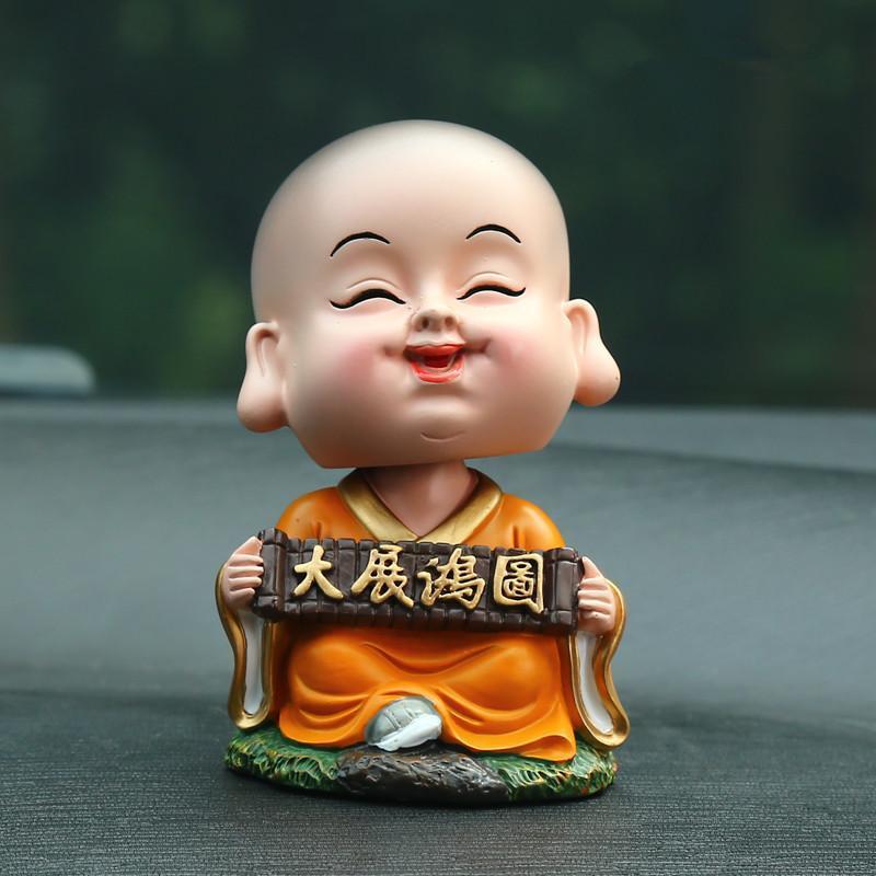 拉运 汽车小沙弥卡通小和尚摆件创意摇头弥勒佛像可爱