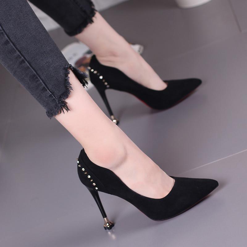 娉语2017性感尖头细跟高跟鞋韩版时尚铆钉浅口单鞋优雅气质女鞋婚鞋潮