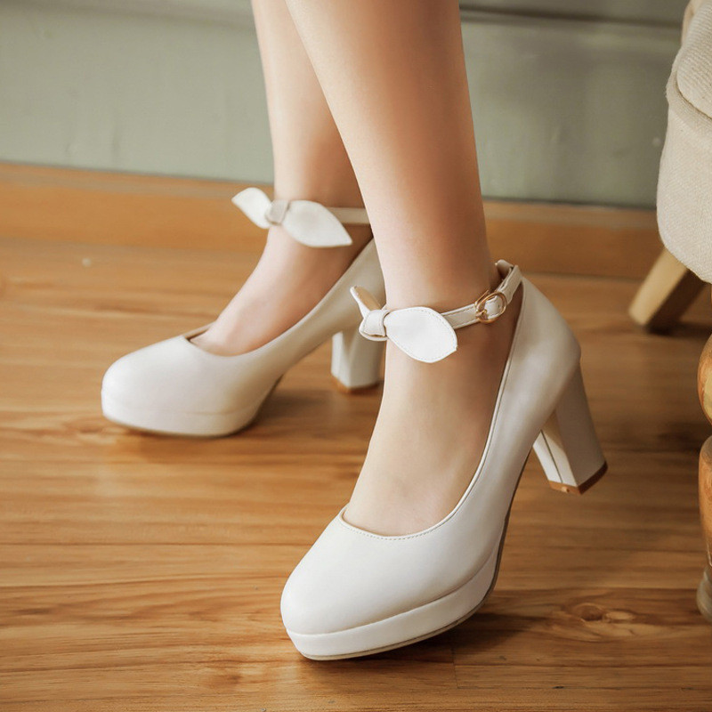 简约女单鞋