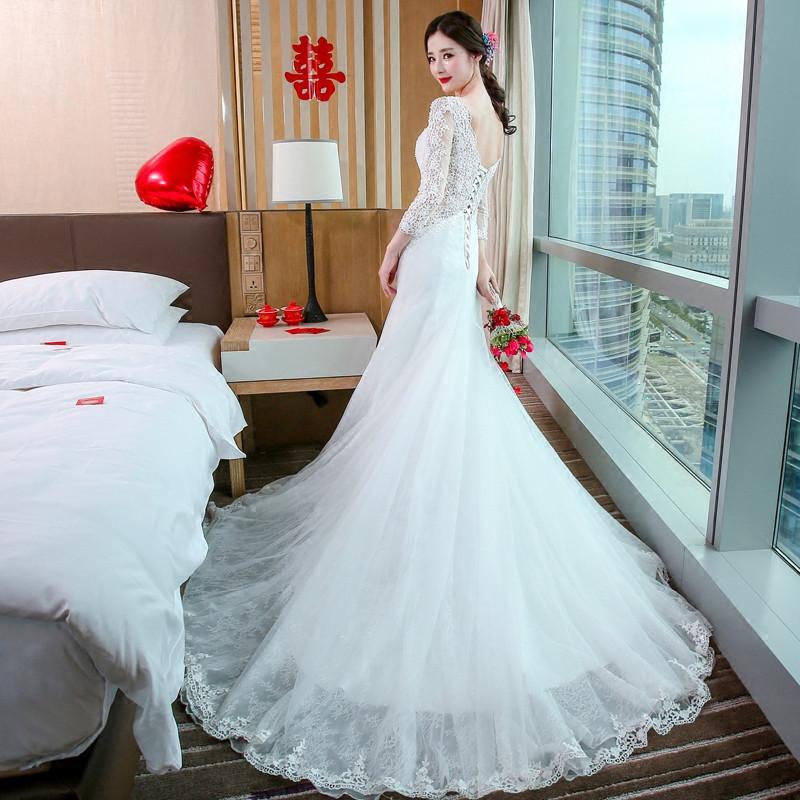 冬季结婚穿什么婚纱_结婚当天穿白色婚纱配什么颜色的鞋子才合适??