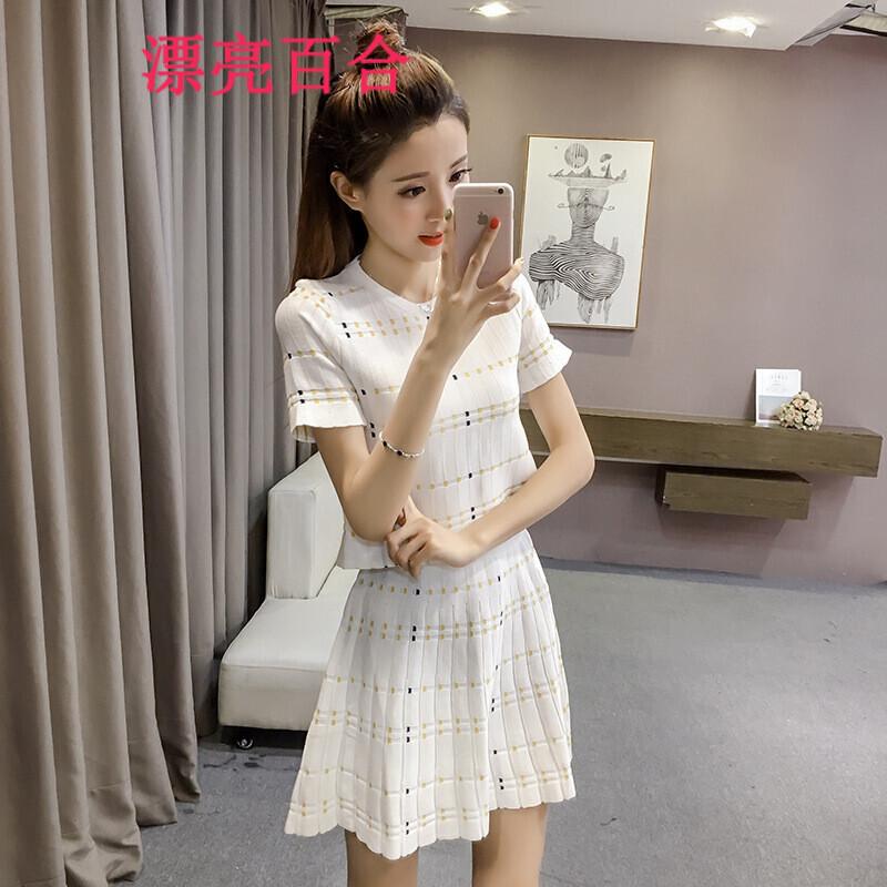 漂亮百合2017女装夏装新款印花短袖针织衫套装高腰a字短裙两件套