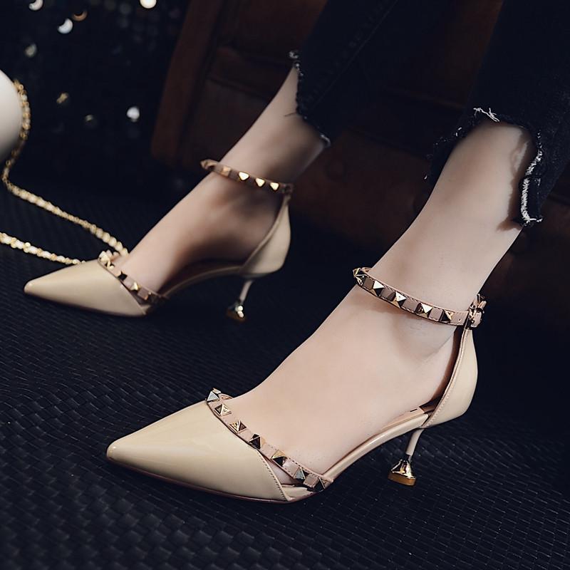欧美一字扣少女铆钉高跟鞋女夏秋2017新款尖头细跟猫跟鞋中跟单鞋